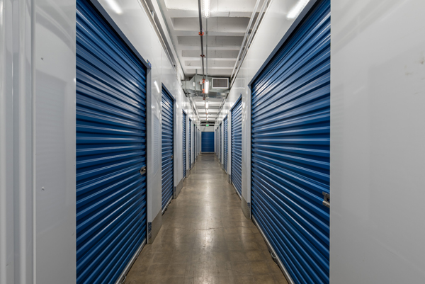 Storage unit facility in Long Beach, CA